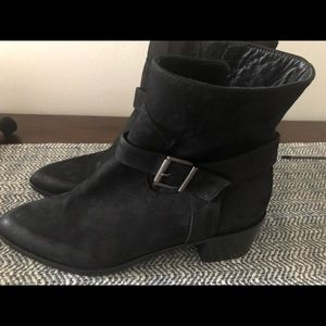 Black Italian Sueded High Ankle boots
